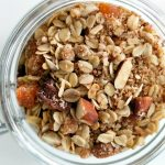 Sklenice meruňkového müsli