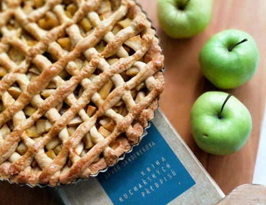 Jablíčkový koláč podle Sandtnerové