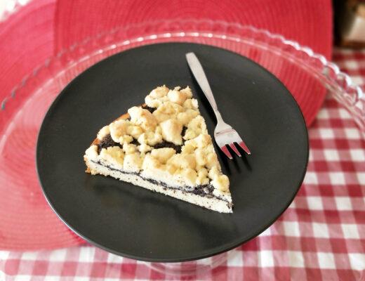 Makový koláč s drobenkou
